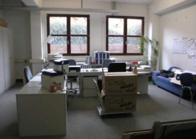 Lager/Werkstatt/Handwerksbetrieb mit Büro im Industriegebiet in Stuttgart Stammheim