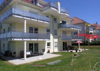 Sonnige 4 Zi.-Whg., 1. OG, 2 Balkonen und Einbauküche